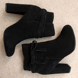 Flash Sale! Steve Madden black suede ankle boots